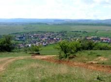 Izvorul Crișului, imagine de pe deal