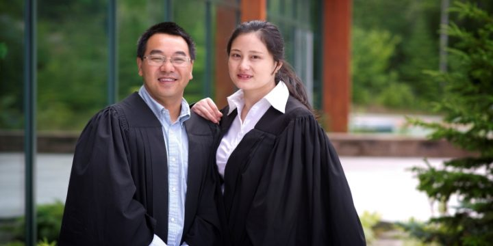 From left are Dr. Jinaghua Wu and Dr. Mei Wang.