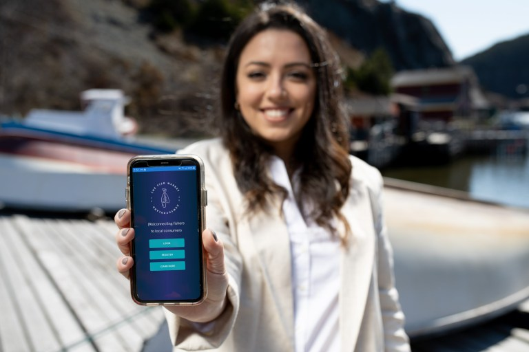Alumna and entrepreneur Mirella Leis