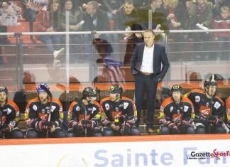hockey sur glace/ gothiques/ gazette sports