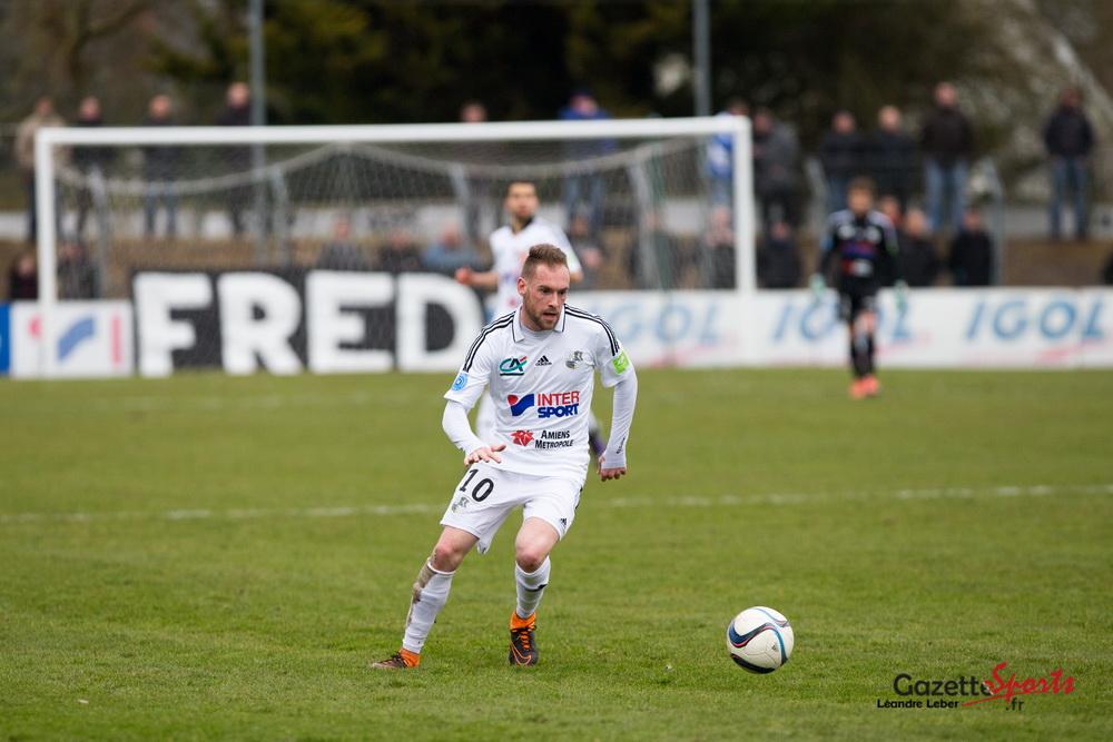 Emmanuel Bourgaud à su tirer un remarquable corner pour la tête victorieuse de Matthieu Fontaine