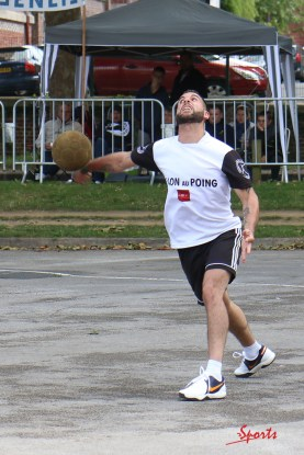 Ballon au poing (Reynald Valleron (125)