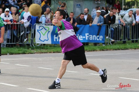 Ballon au poing (Reynald Valleron (40)