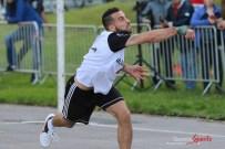Ballon au poing (Reynald Valleron (53)