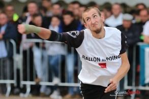 Ballon au poing (Reynald Valleron (68)