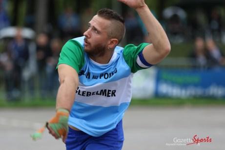 Ballon au poing (Reynald Valleron (88)