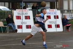 Ballon au poing (Reynald Valleron (96)