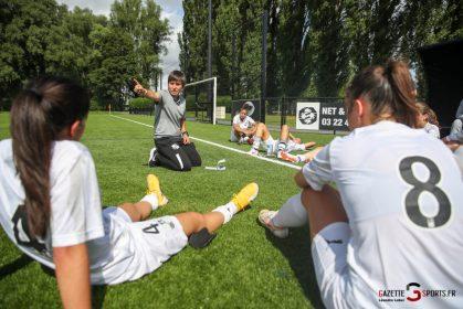 FOOTBALL (F): Amiens SC wins their Paris