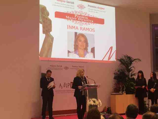 Inma Ramos el premio a la mejor Mujer Directiva 2015