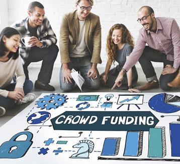 emprendedores haciendo crowdfunding