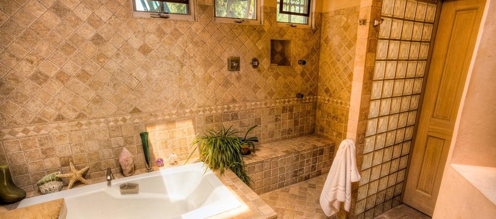Hillcrest-bath.jpg?resize=1016%2C450&ssl=1