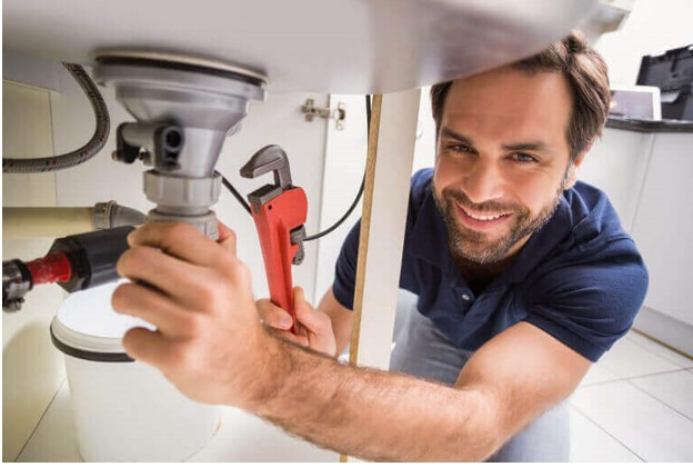 5 Questions That You Should Ask A Plumber Before Hiring