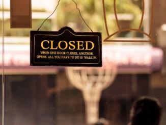 Varejo de roupas perde 35 mil lojas