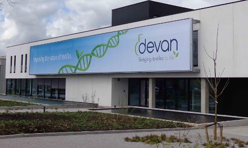 Pulcra compra a química belga Devan