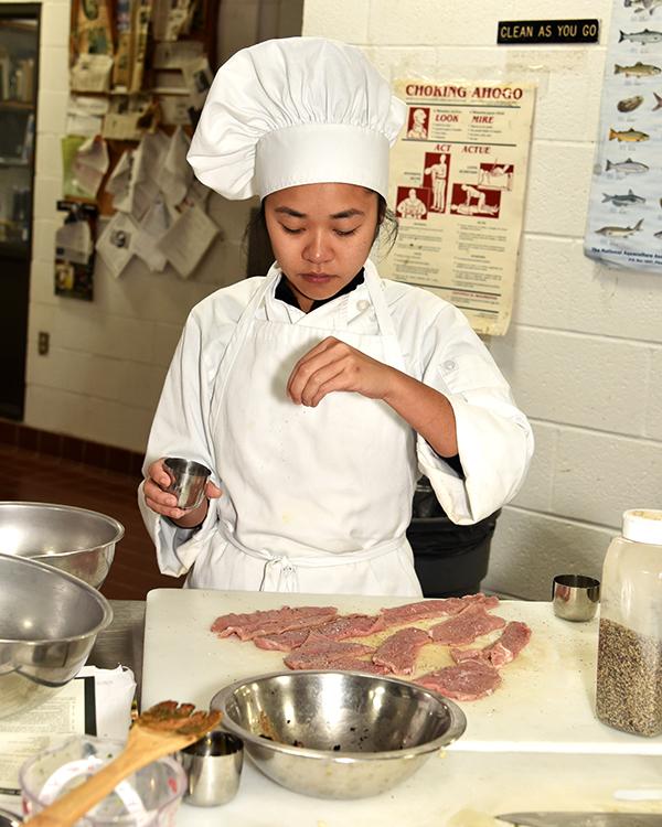 Student Thuy Ngo