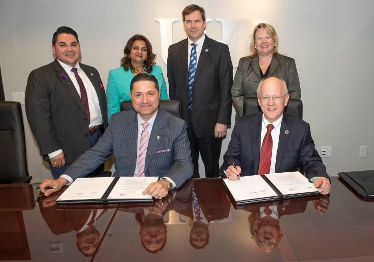 Galveston College Transfer Signing at UHD