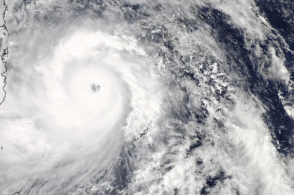 Super Typhoon Haiyan Hits Philippines as One of Strongest ...