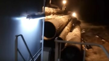 Oh Sh!t Moment: Cargo Ship in Storm Loses Cargo in an Instant