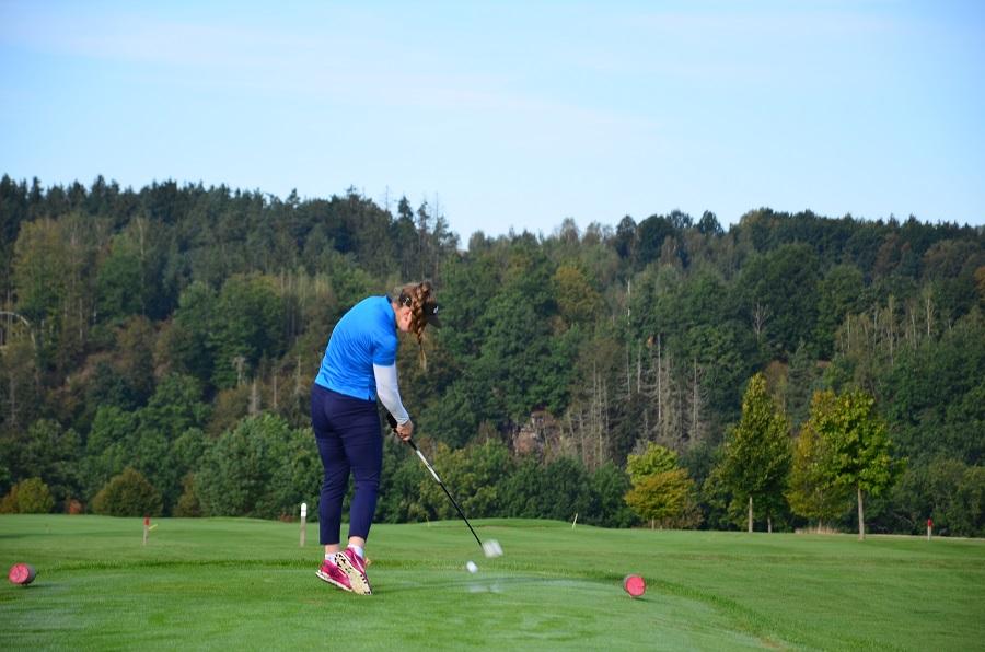 Pro vaše juniory golf o podzimních prázdninách zdarma