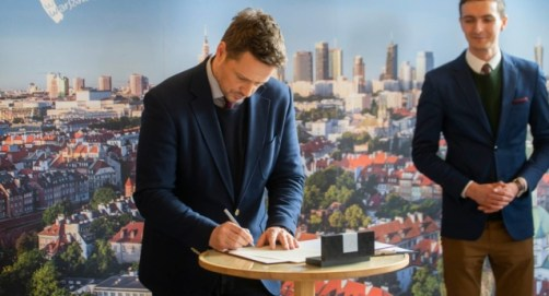 Mayor Trzaskowski signs a historic LGBT+ declaration, unleashing criticism from Warsaw homophobes.