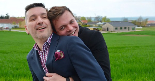 Gay couple forced to flee Russia to avoid losing children