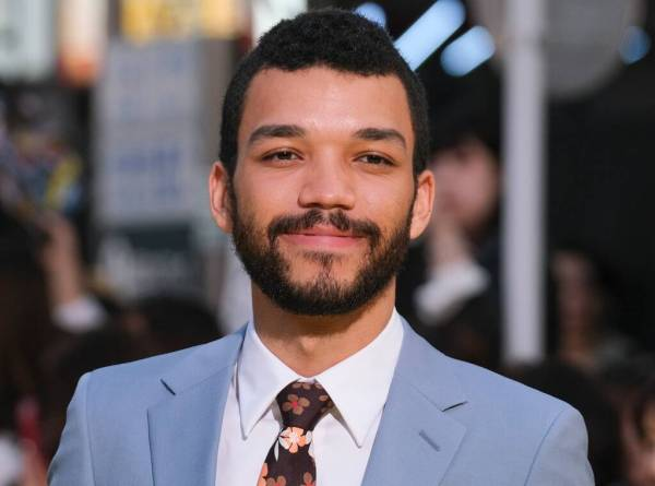 justice smith, celebrities came out