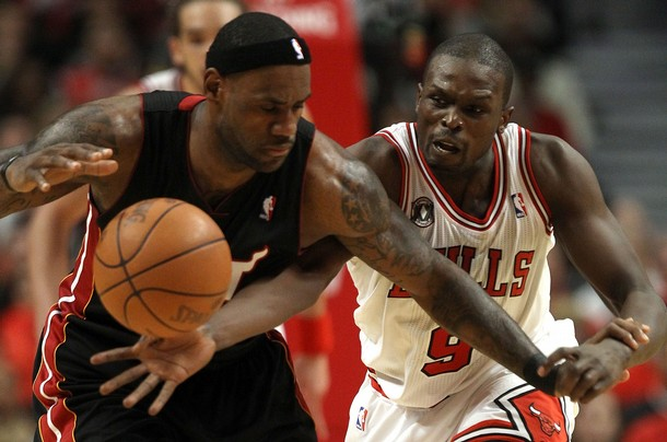 Luol Dang Outplays LeBron James As Bulls Win Game One, 103-82