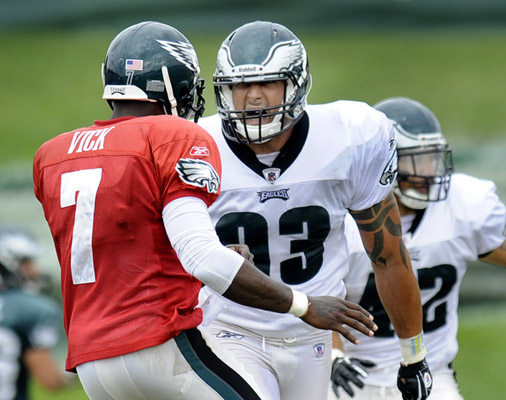 Eagles Defense Putting the Pressure On Vick In Competitive Practice