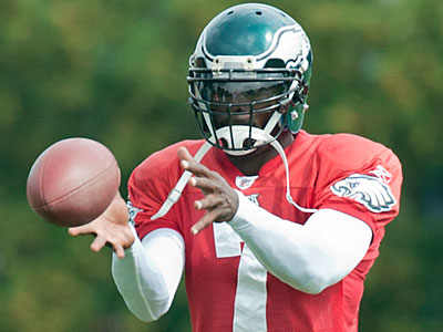 Michael Vick Is In Helmet And Practicing Again