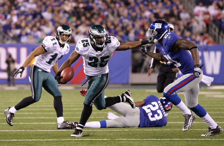 LeSean McCoy Continues To Outshine Other NFL Running Backs