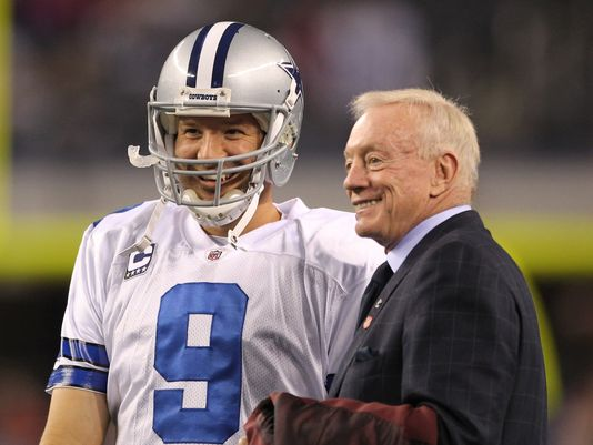 "Jerry Jones:  ""Tony (Romo) will play with all the pain"""