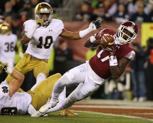 Notre-Dame-Temple-Football-1