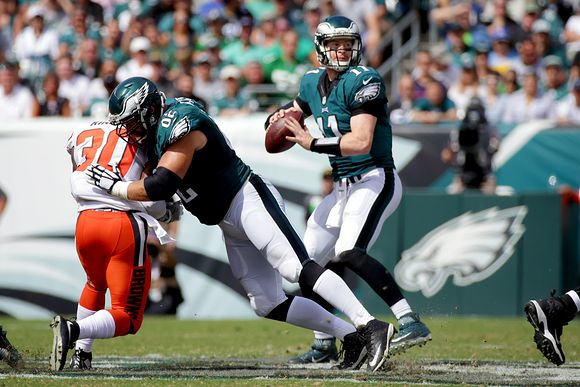 Carson Wentz Does A Great Job On An Audible (Video)