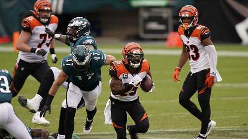 Eagles remain winless after tie with Bengals