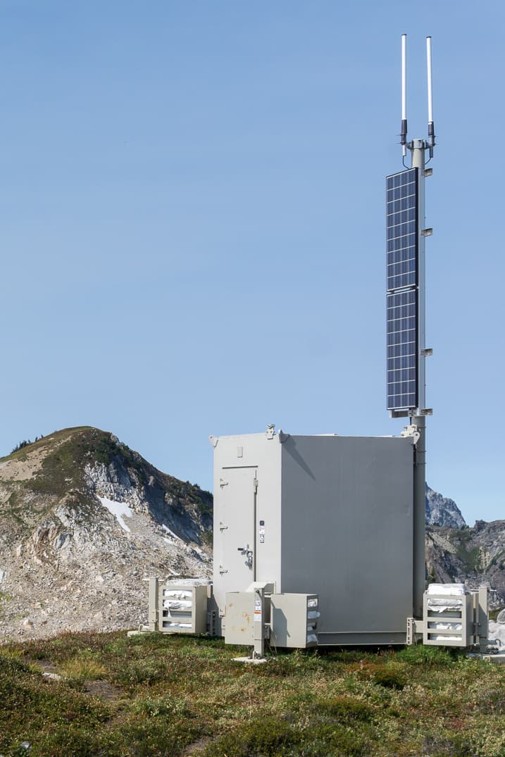 A Forest Service radio repeater near the summit of Zi-iob Peak