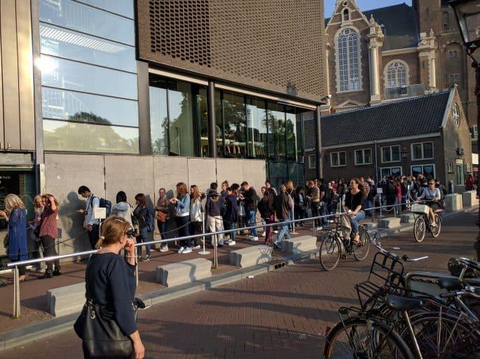 Casa Anne Frank, em Amsterdã: fila para entrar