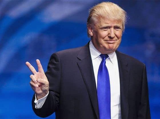 Trump faz o V de vitória