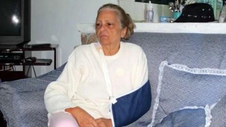 Marta Beatriz Roque golpeada