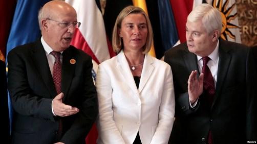 El canciller de Prtugal Augusto Santos Silva, la alta representante de la UE Federica Mogherini y el canciller de Costa Rica Manuel Ventura durante la reunión del grupo de contacto sobre Venezuela.