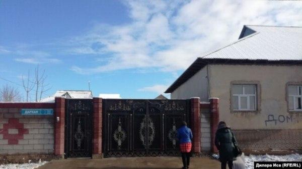 Дом Ардак Ашим, где в марте был проведен обыск. Шымкент, 15 марта 2018 года.