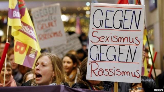 تظاهراتی در شهر کلن در اعتراض به خشونت جنسی علیه زنان و دختران برگزار شده است.