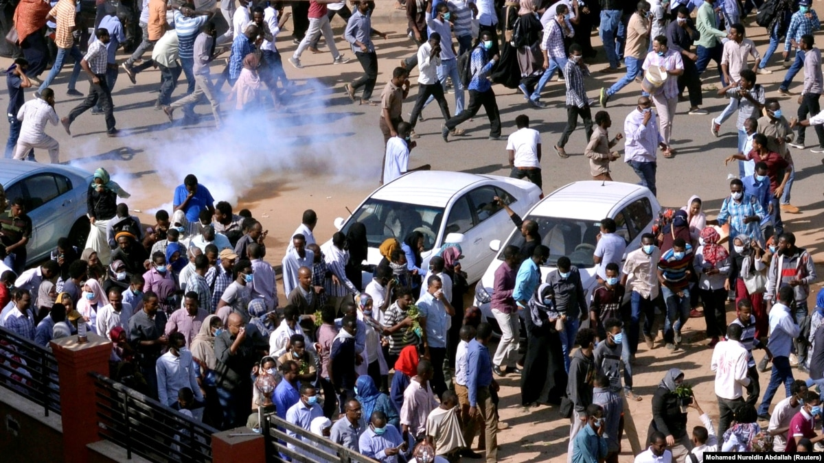 Картинки по запросу Антиправительственные выступления в Судане