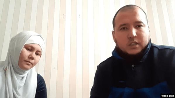 Активист и блогер из Мангистауской области Жамбыл Кобейсинов с женой Дильбар Бегжановой.