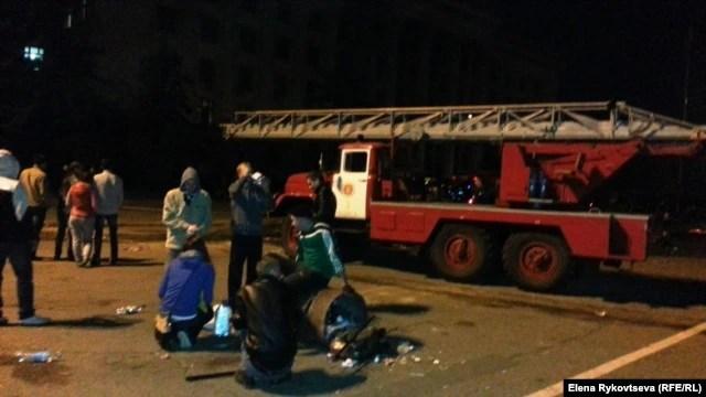 Пожарные машины приехали с большим опозданием, когда люди уже погибли