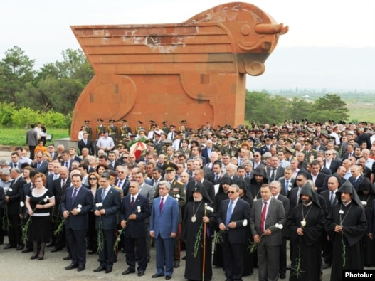 Armenia - The leaders of Armenia and the Armenian Apostolic Church participating in Republic Day's celebrations at the Sardarapat memorial, 28May,2010