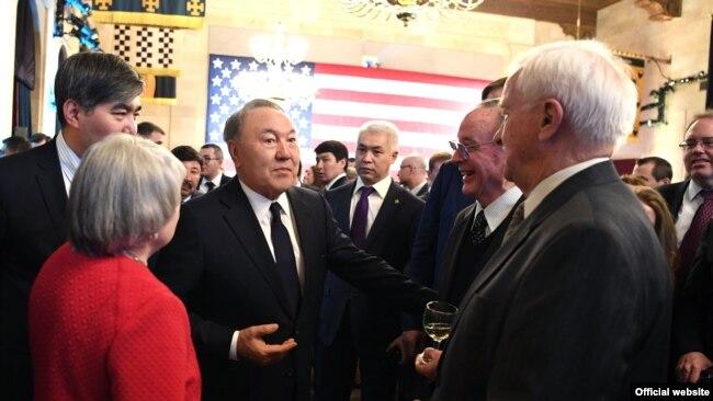 Президент Казахстана Нурсултан Назарбаев во время встречи с представителями американских бизнес-кругов. Вашингтон, 16 января 2018 года.