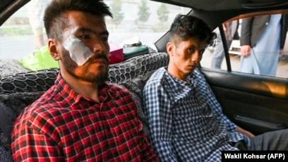 Талибы жестоко избили двух журналистов газеты Etilaatе Roz