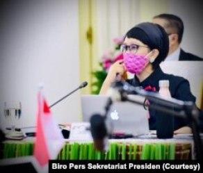 Menteri Luar Negeri Retno Marsudi mendampingi Presiden Joko Widodo dalam konferensi tingkat tinggi (KTT) virtual G20 dari Istana Kepresidenan Bogor, Minggu, 22 November 2020. (Foto: Biro Pers Sekretariat Presiden)