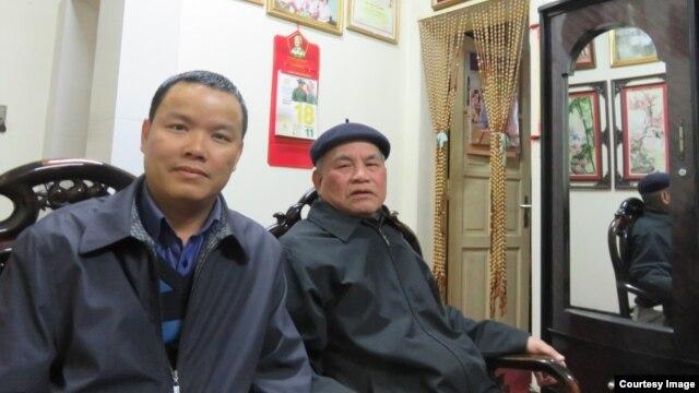 Ông Nguyễn Bình Giang (phải) và tác giả (Lê Anh Hùng) tại nhà riêng của ông ngày 18/2/2016