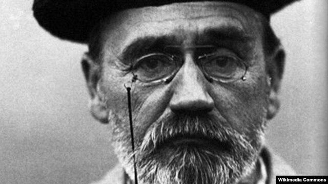 Nhà văn, nhà báo Emile Zola